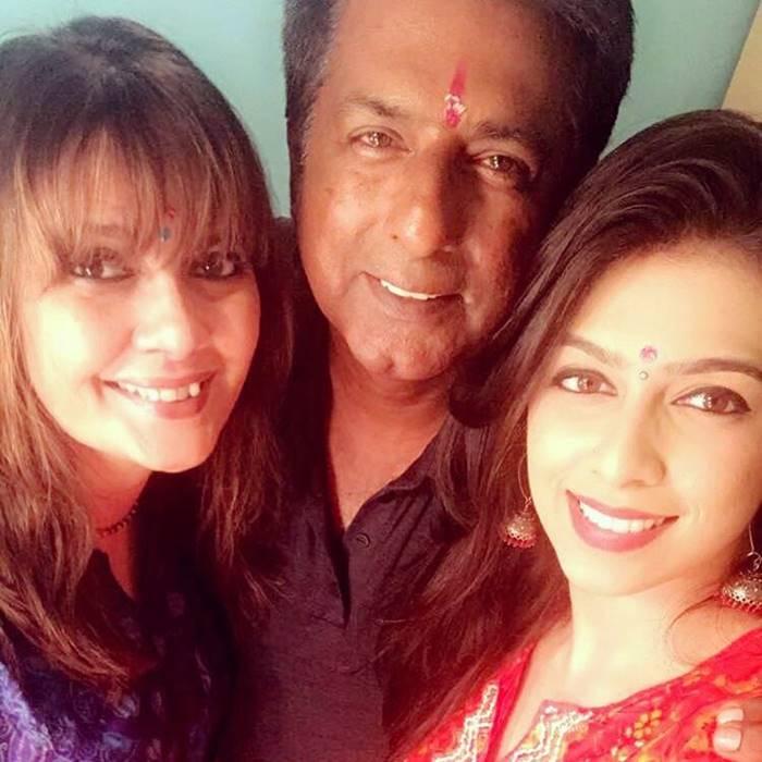 Sonika Chauhan Family