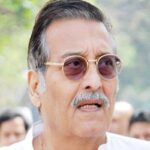 <b>Vinod Khanna Wiki: Age, Wife, Family, Cause of Death  and Five Facts to Know</b>