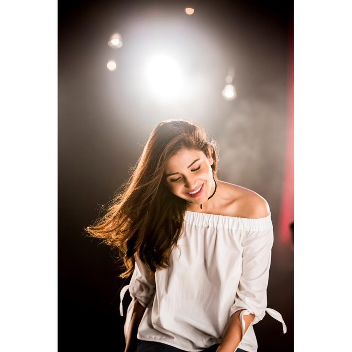 Anushka Sharma Sexy Images