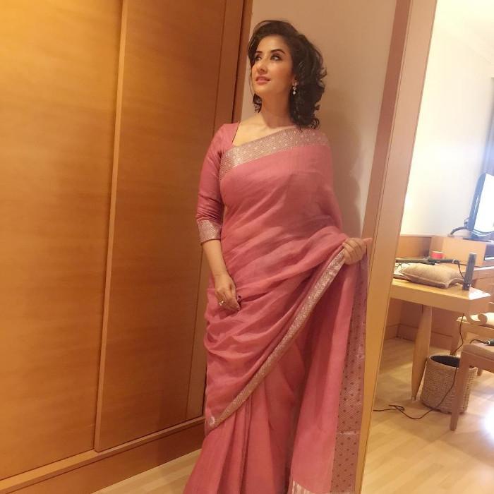 Manisha Koirala hot images