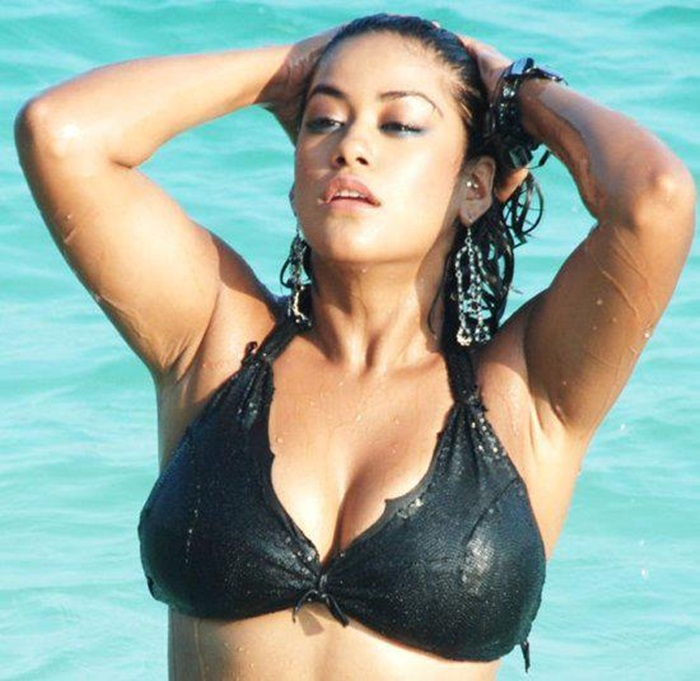 mumaith khan sexy