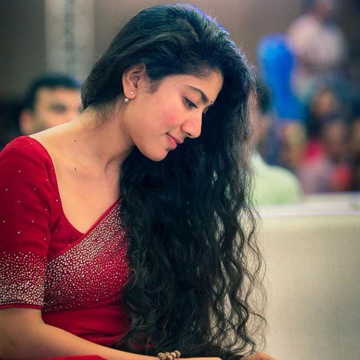 sai pallavi hot saree