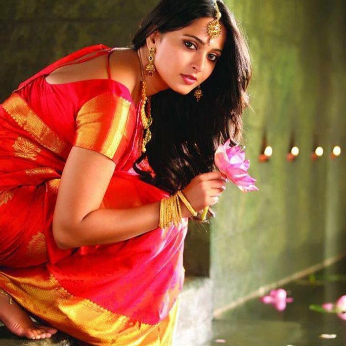 latest anushka shetty photo