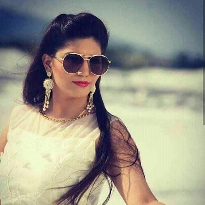 sapna choudhary dance pics